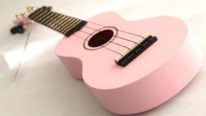 dan ukulele gia bao nhieu tien