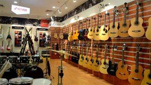 guitar classic gia re