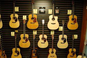 cua hang dan guitar