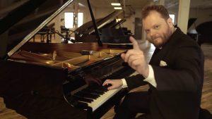 đàn piano 60 tỷ