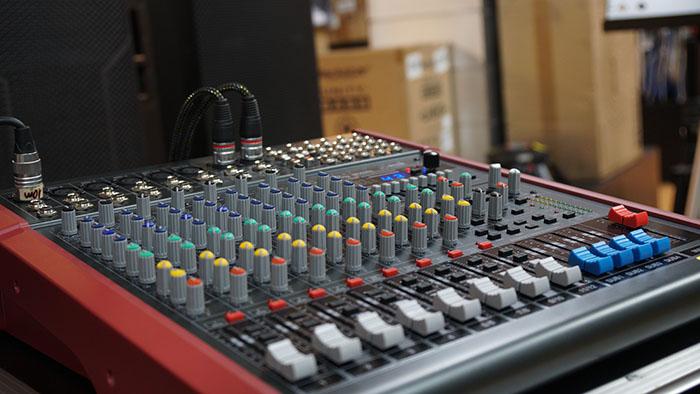 Hình ảnhmixer Soundking MIX08C